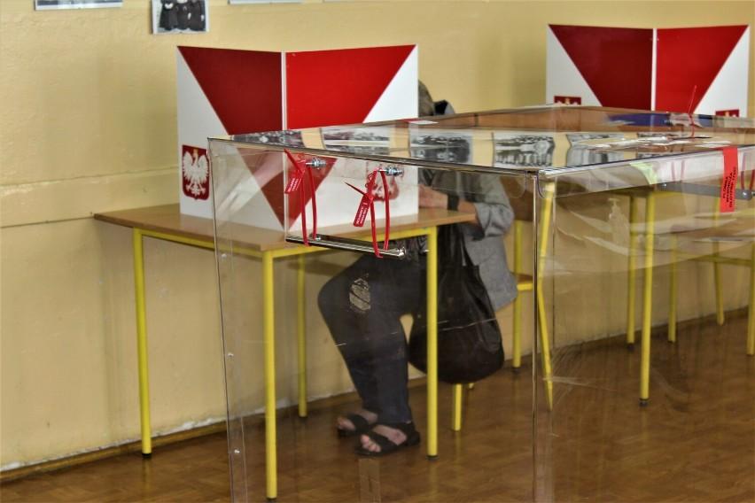 Referendum w Krośniewicach. Burmistrz Katarzyna Erdman pozostaje na stanowisku