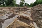 Prace archeologiczne w Gubinie zostały przerwane. Dlaczego? Co do tej pory udało się znaleźć na terenie byłej Willi Wolfa?