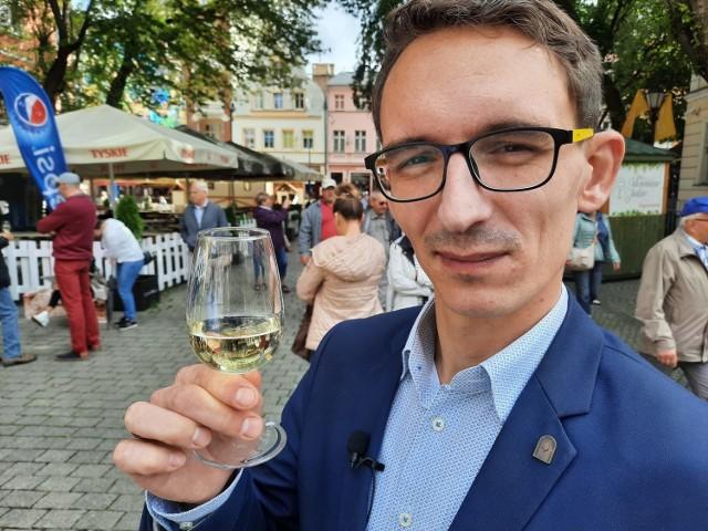 Dawid Sojka jest sommelierem i gościem tegorocznego Winobrania