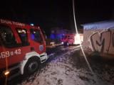 Pożar w Rydułtowach. Ogień w piwnicy przy ulicy Ligonia, mieszkańcy ewakuowani przez balkon za pomocą drabiny. Był też pożar w Skrzyszowie