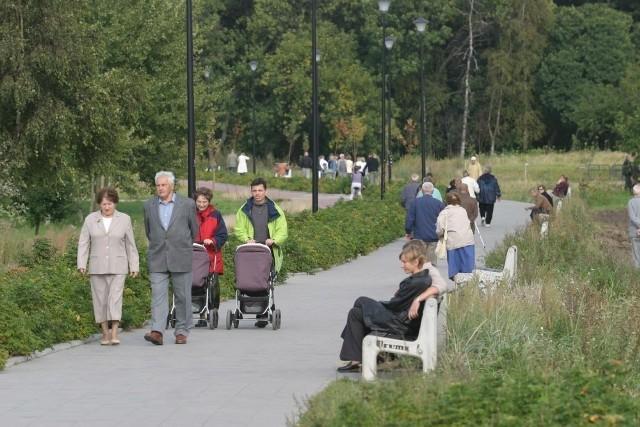 Wieżowiec w sąsiedztwie terenów rekreacyjnych w pasie nadmorskim - tego chcą władze Gdańska, sprzeciwiają się im ekolodzy i okoliczni mieszkańcy.