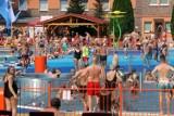 Baseny Letnie w Jaworze okazały się strzałem w dziesiątkę! Tłumy gości! [ZDJĘCIA]