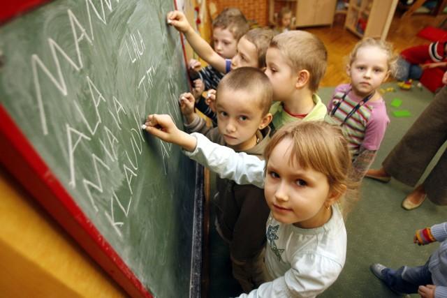Sześciolatki do szkoły - ten pomysł wzbudził ogromne kontrowersje. Wielu rodziców jest zdecydowanie przeciw