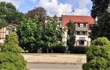 """Napis """"Malbork"""" będzie promował miasto, ale dopiero po sezonie turystycznym. Ustawienie siedmiu liter wymaga... pozwolenia na budowę"""