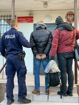 Trąbki Wielkie: 34-latek zatrzymany za handel narkotykami. W mieszkaniu znaleziono blisko dwa kg amfetaminy i pół kg marihuany