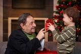 Doceń swojego dziadka trafionym prezentem