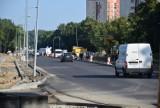 Trwa remont w alei Niepodległości. Kierowcy jadą już jedną nitką nowego asfaltu