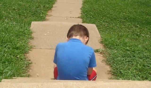 5-letni chłopiec błąkał się po ulicy Dworcowej - szedł po jezdni