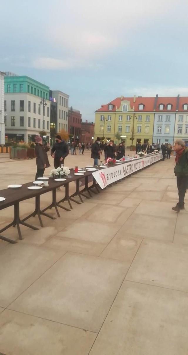 W czwartek (29 października) na Starym Rynku w Bydgoszczy zorganizowano Gastro Protest.