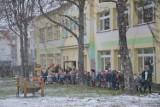Ewakuacja przedszkola w Nysie. Szaleniec straszył gazem bojowym