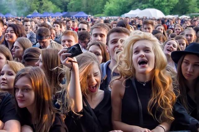 Ten weekend studentom - i nie tylko - upłynie pod znakiem Czyżynaliów. W ostatni dzień tej imprezy na scenie pojawią się prawdziwe gwiazdy, takie jak Jelonek czy Acid Drinkers.   Kiedy: piątek, 25 maja 2018 Gdzie: Akademiki PK, ul. Skarżyńskiego 5