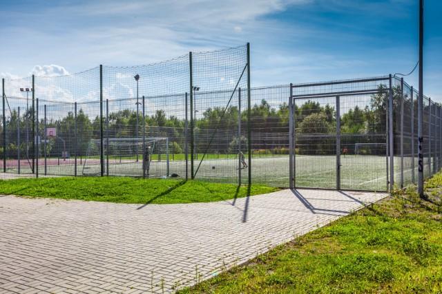 Orliki i boiska przyszkolne nadal zamknięte