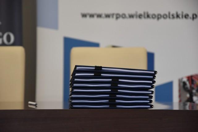 Podpisanie umów na dofinansowanie budowy ścieżek rowerowych w gminach Piła, Wysoka, Szydłowo i Kaczory