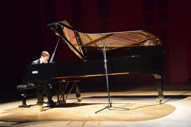 Koncert Mateusza Krzyżowskiego w Tychach przed XVIII Konkursem Chopinowskim