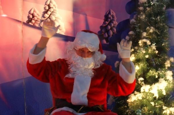 Mikołaj w Galerii nad Jeziorem w Koninie