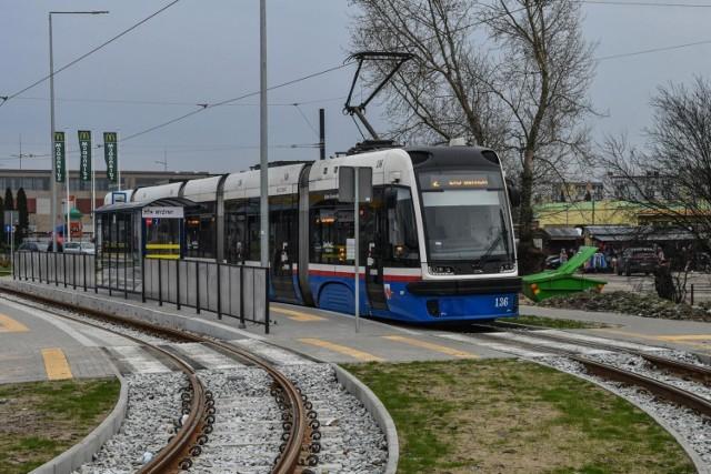 W najbliższą sobotę (29 sierpnia) tramwaje ponownie pojadą ul. Nakielską w Bydgoszczy. Przypomnijmy, ze względu na remont torowiska, od 25 lipca na odcinku od węzła Garbary do pętli Wilczak ruch tramwajowy był wstrzymany.