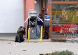 Wysadzili w powietrze bankomat przy ul. Roztocze w Lublinie. Zobacz zdjęcia