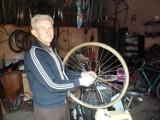 Najstarszy kaliski kolarz nie rozstaje się z rowerami. Poznajcie historię Tadeusza Szczepaniaka