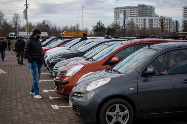 Używane auta błyszczą i zachęcają do zakupu. Ale diabeł tkwi w szczegółach, co okazuje się zwykle już po dokonaniu transakcji