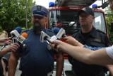 Bełchatów. Policjanci i strażacy apelują: na osiedlach nie zastawiajcie autami przejazdu dla służb