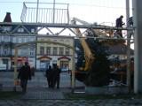 Rynek w Mysłowicach: Rurapark ozdobią świąteczne iluminacje. Montaż już się rozpoczął [ZDJĘCIA]