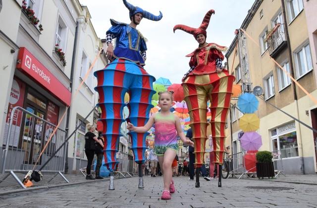 Najbliższa sobota, 17 lipca, upłynie w Inowrocławiu pod znakiem Art Ino Festiwalu. Tematem przewodnim imprezy będzie sztuka cyrkowa