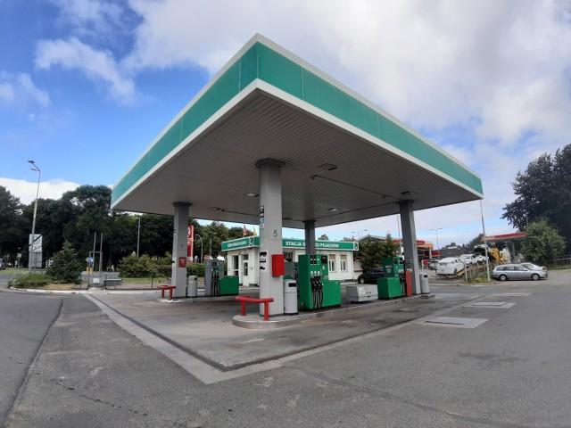 Stacja paliw przy ul. Cieślaka