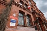 """Rodzic ucznia I LO w Bydgoszczy uważa, że """"szkoła nie ma wstydu"""". A chodzi o wpłaty na radę rodziców"""