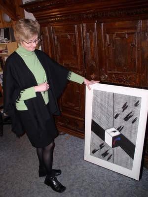 - To cenne wzbogacenie naszej galerii - mówi Barbara Zagórska, oglądając nowe nabytki galerii.