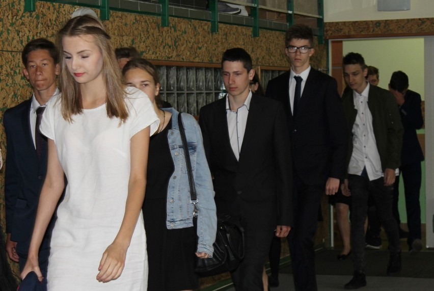 Wspominamy zakończenie roku szkolnego 2016/2017, w zbąszyńskim gimnazjum [Fotorelacja]