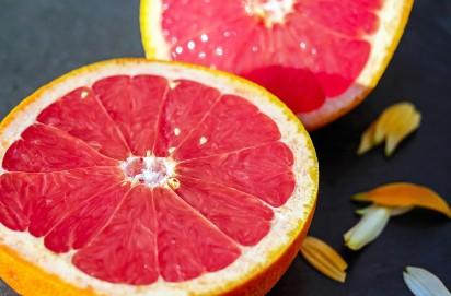 Pijesz słodkie napoje? Jesz owoce? Uważaj - fruktoza NISZCZY MÓZG