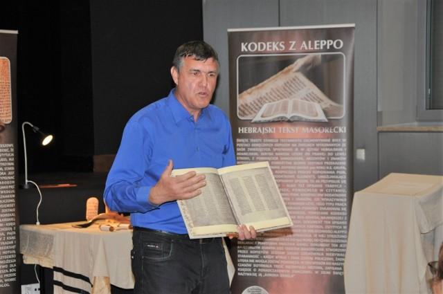 Wystawę w Szubińskim Domu Kultury można zwiedzać do 17 września