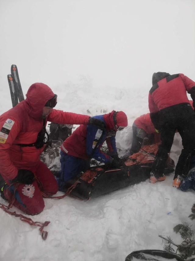 Akcja ratunkowa w rejonie Babiej Góry była prowadzona w skrajnie trudnych warunkach pogodowych.
