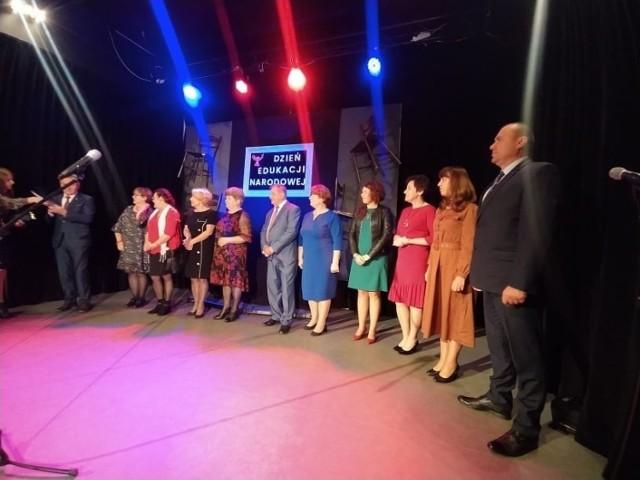 Święto Edukacji Narodowej 2021 w Pińczowie. Uroczystości w Pińczowskim Samorządowym Centrum Kultury.