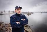 Bohaterski czyn policjanta z Torunia. Wskoczył do Wisły ratując 63-letnią kobietę