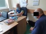 Warszawa. 62-latek zatrzymany za usiłowanie zabójstwa. Zadał trzy ciosy nożem