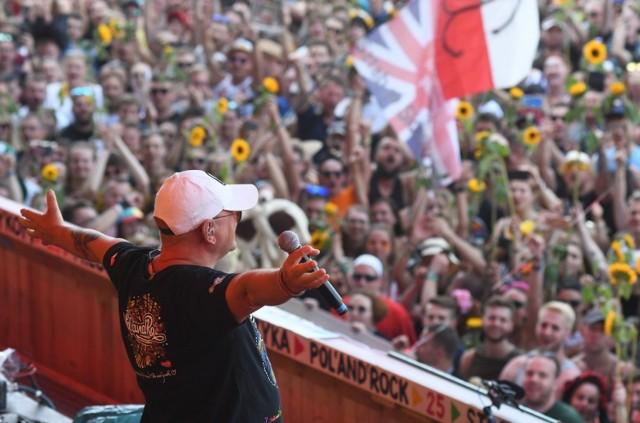 """Jurek Owsiak nie zostanie ukarany za przekleństwa, które wypowiedział podczas Pol'And""""Rock w 2018 roku"""