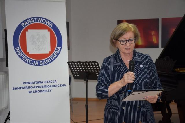 Bogusława Kazecka - Państwowy Powiatowy Inspektor Sanitarny w Chodzieży. Zdjęcie zostało wykonane podczas obchodów 100-lecia Inspekcji Sanitarnej