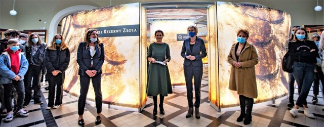 - Złoto od wieków wzbudzało emocje – mówi Katarzyna Basiak-Gała, dyrektor Narodowego Banku Polskiego Oddział Okręgowy w Krakowie